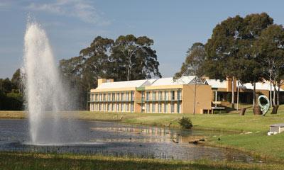 Macquarie-Graduate-School-Management